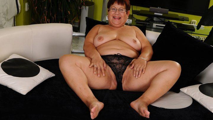 21sextreme.com – Love & Lawanda Lawanda 2013 Big Butt