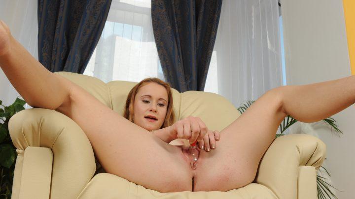 Weliketosuck.com – Amber Amber 2011 Blowjob