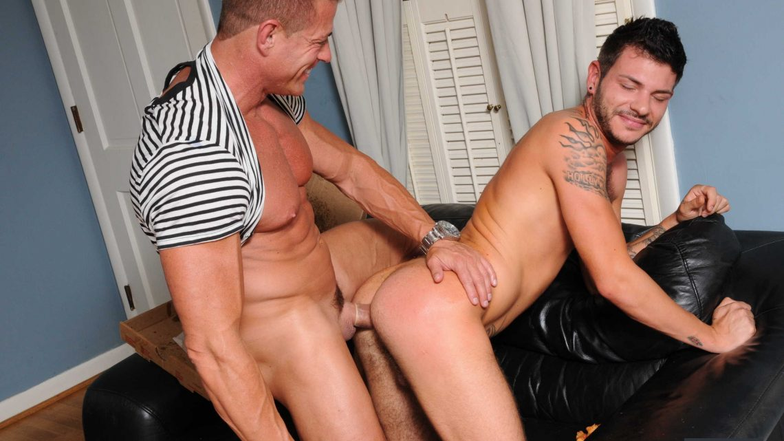 Drillmyhole.com – The Pizza Boy Tristan Matthews & Tyler Saint 2011 Gay Porn