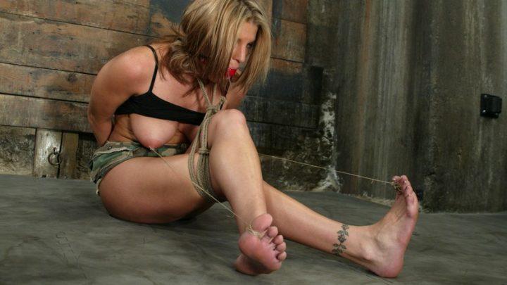 Hogtied.com – Jackie Moore Jackie Moore 2004 Flogging