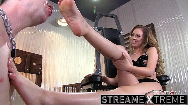 Femdomempire.com – Property of Lyra's Feet Lyra Law 2015 Foot Worship