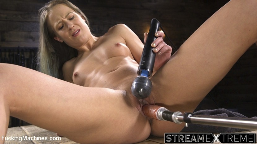 Fuckingmachines.com – Toned and Fit Babe Gets Fucked.. Cheyenne Jewel 2018 Vibrator