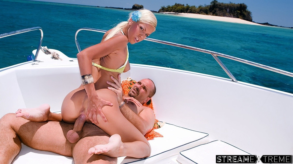 Private.com – A Speed Boat Is the Perfect Place.. Boroka Balls 2012 Cumshot